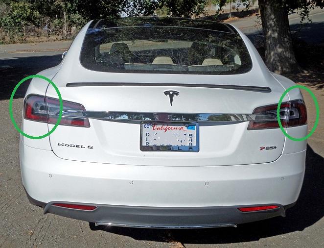 Tesla-Model-S-P85-Tail.jpg