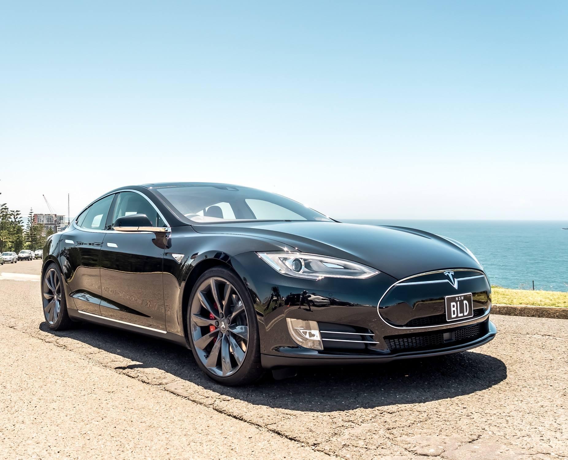 Tesla Model S P85DL.jpg