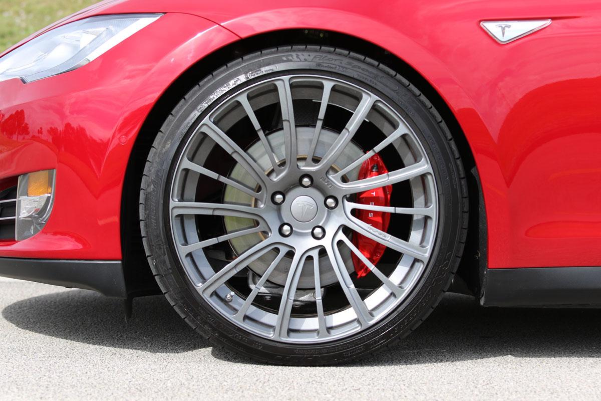 tesla-model-s-p90d-ludicrous-multicoat-red-pulse-wheels-008.JPG