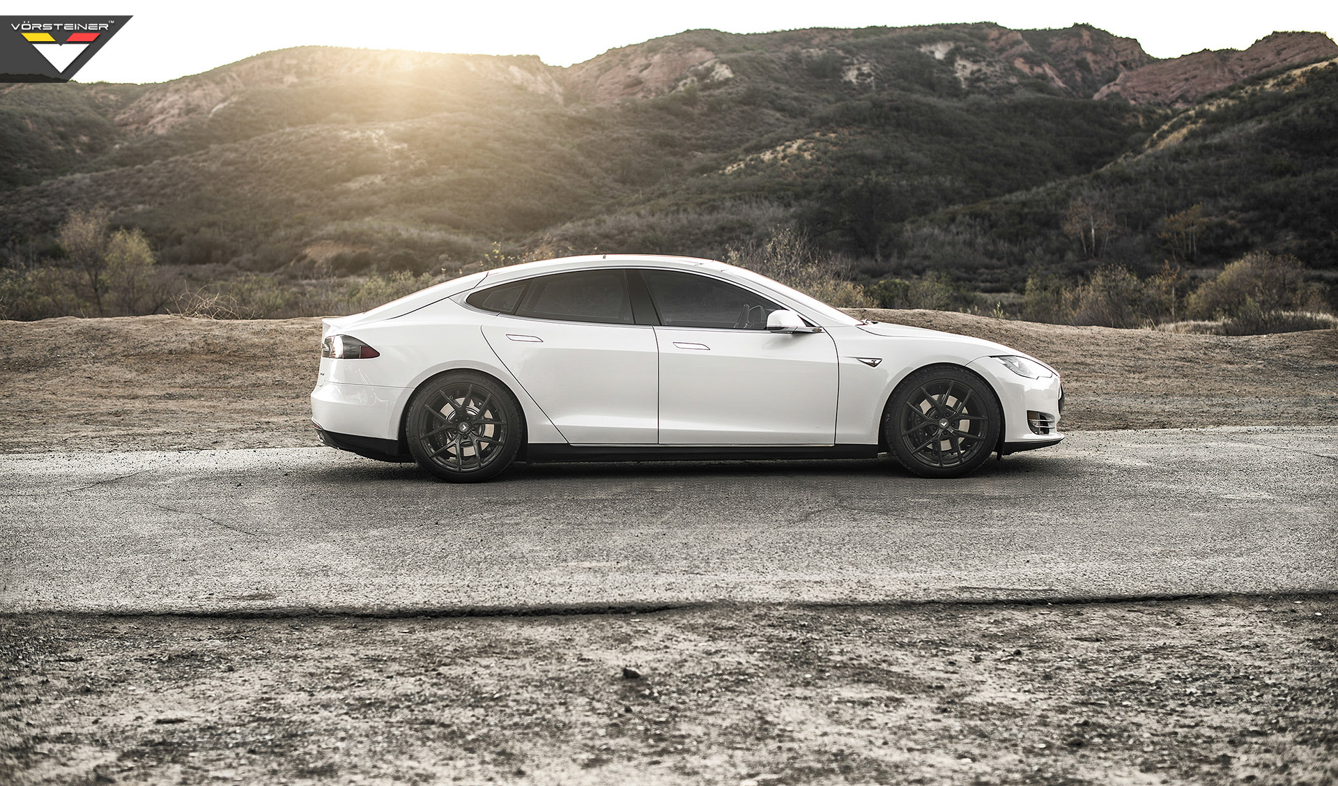 Tesla-Model-S-Vorsteiner-Wheels-Side.jpg