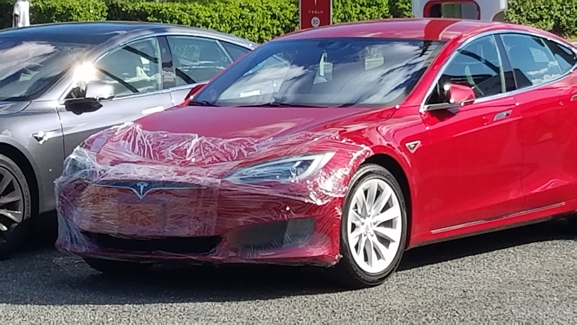 Tesla Model S with BAD WRAP.jpg