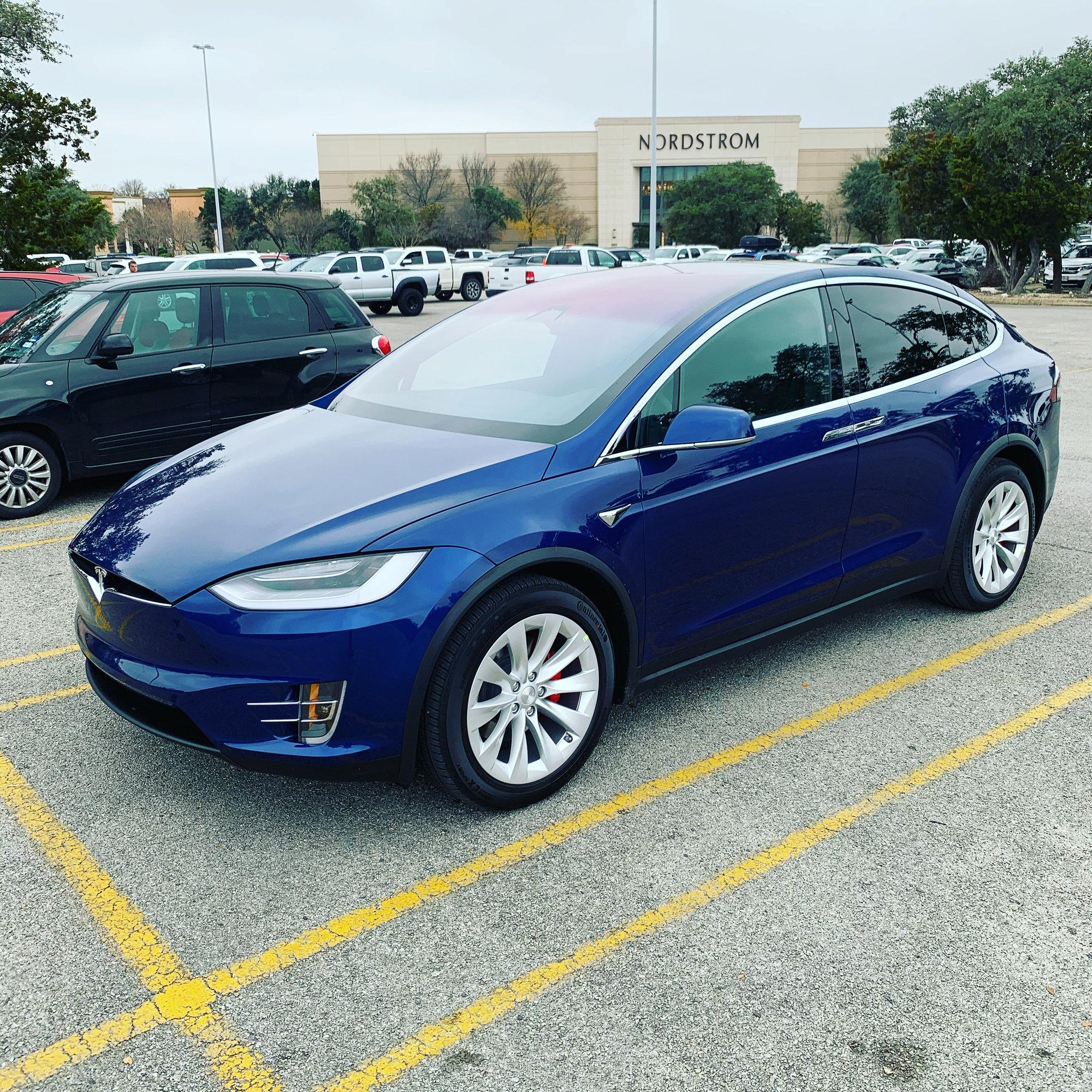 Tesla Model X.jpg