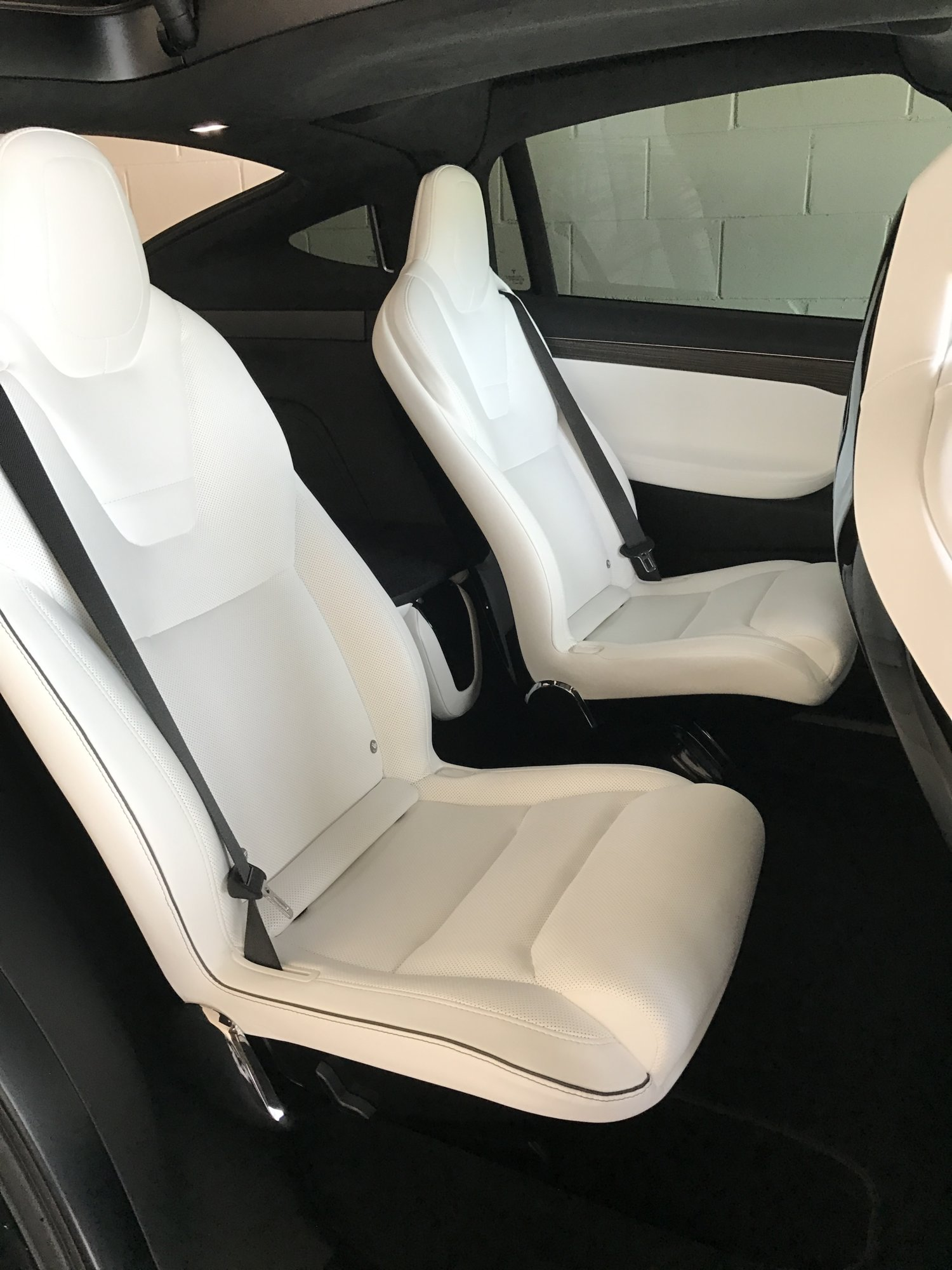 Tesla Model X Middle Row.JPG