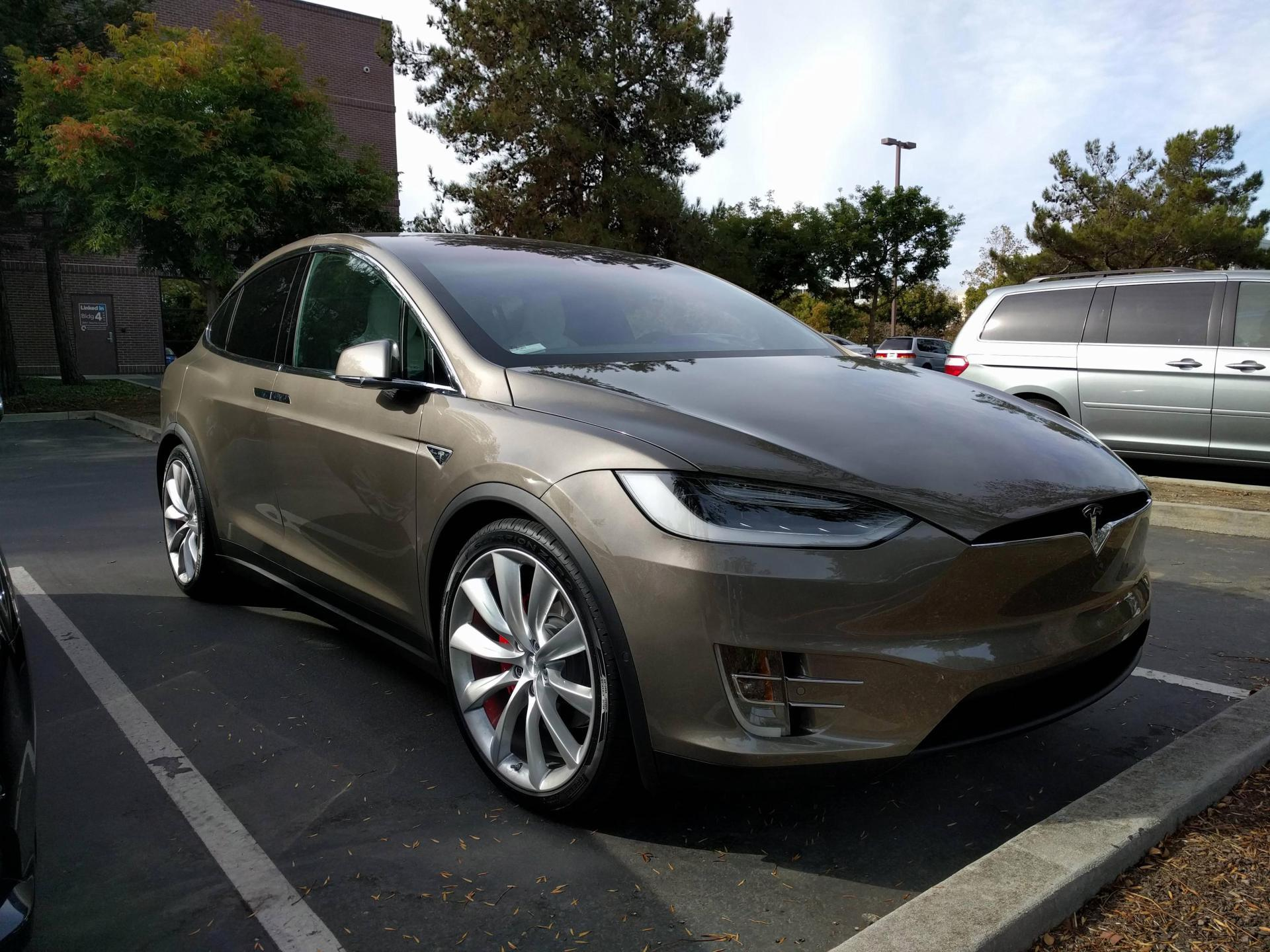 tesla-model-x-titanium-metallic-3.jpg