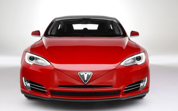 Tesla Motors_-_Model S RED Front 105.jpg