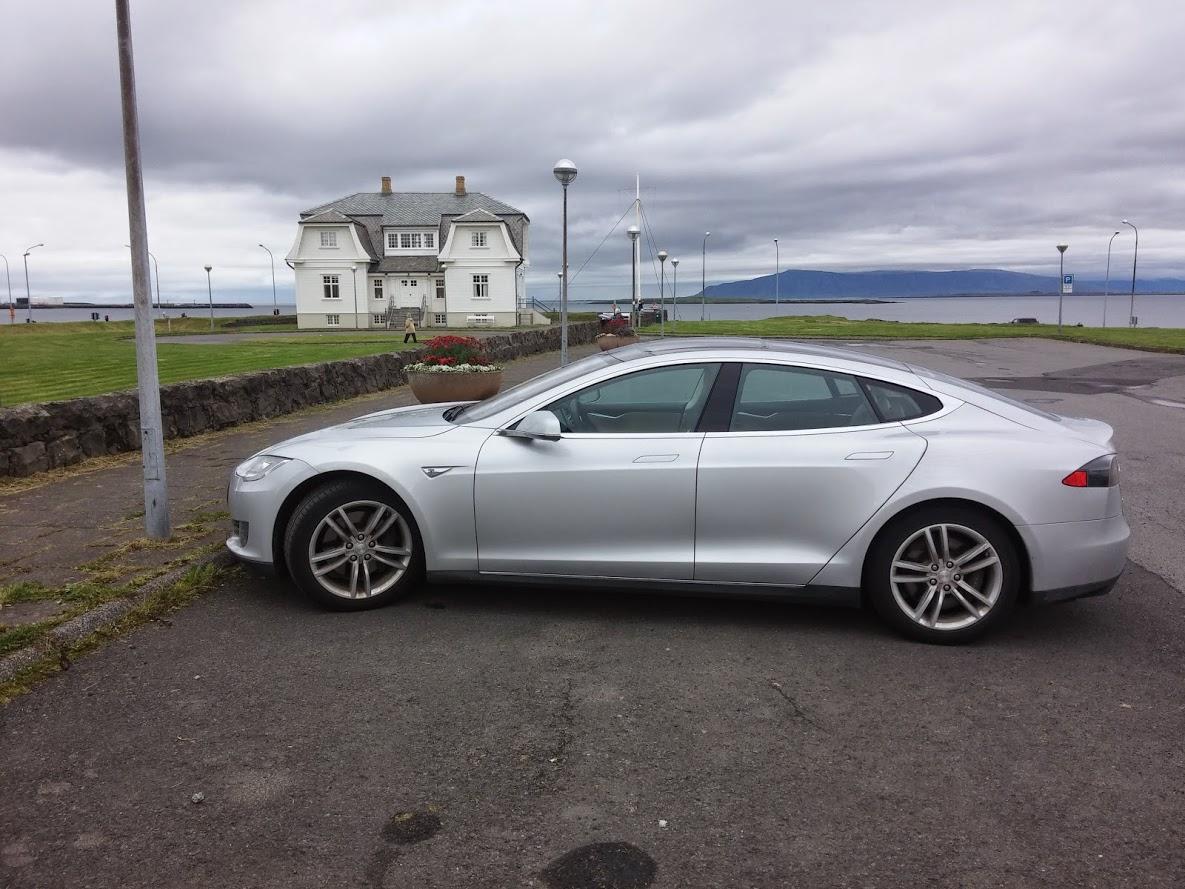 Tesla MS hofdi.jpg