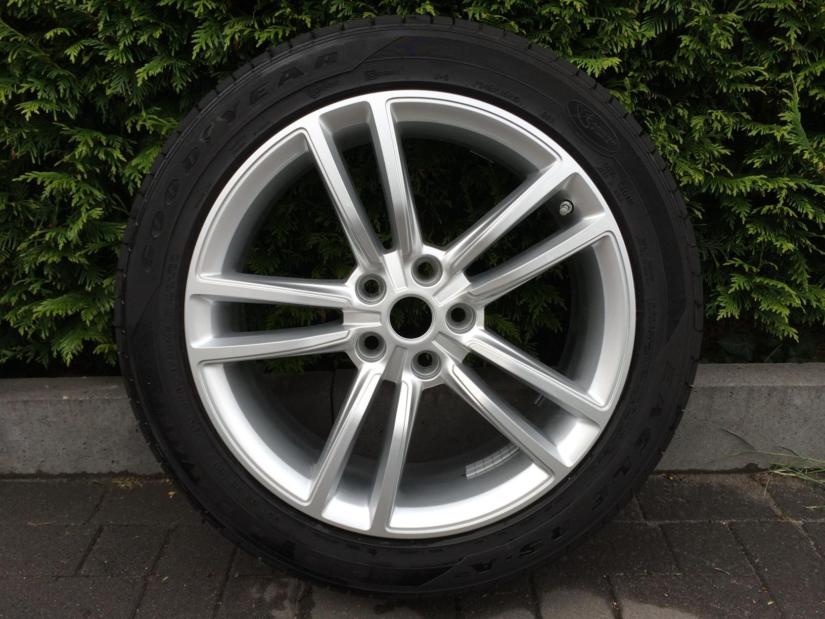 tesla oem 19inch wheel&tyre 008.jpg