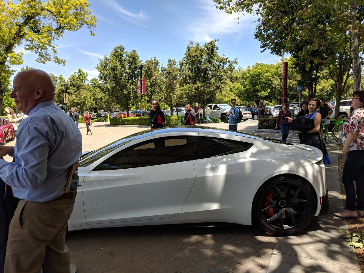 tesla-roadster-2-shareholders-meeting-1.jpg