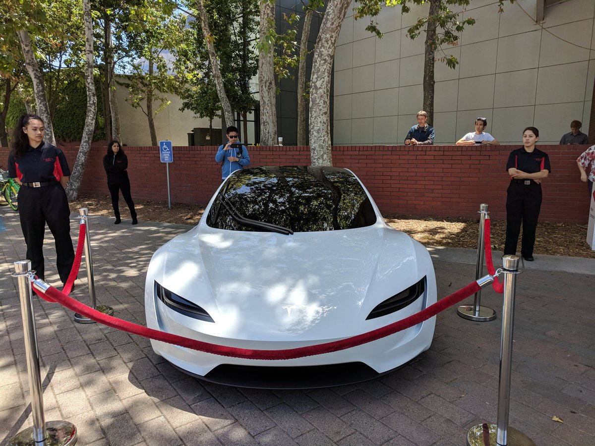 tesla-roadster-2-shareholders-meeting-4.jpg