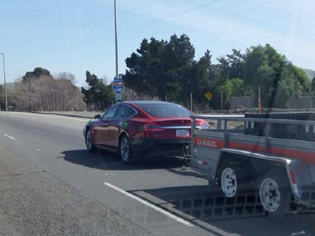 tesla-towing.jpg