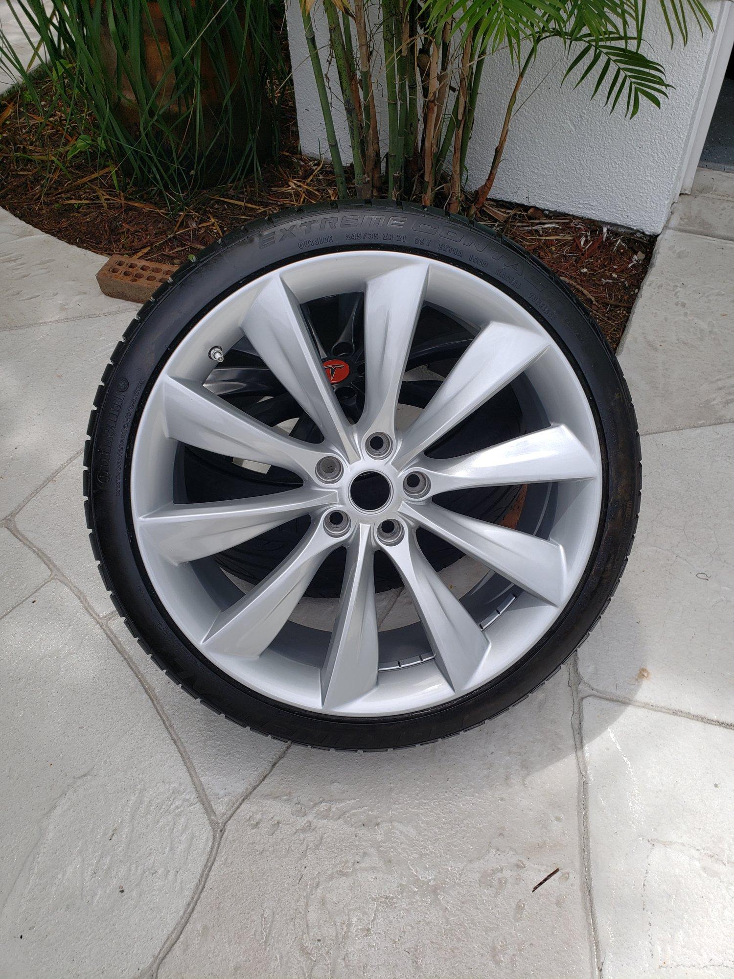 Tesla Wheel 2.jpg