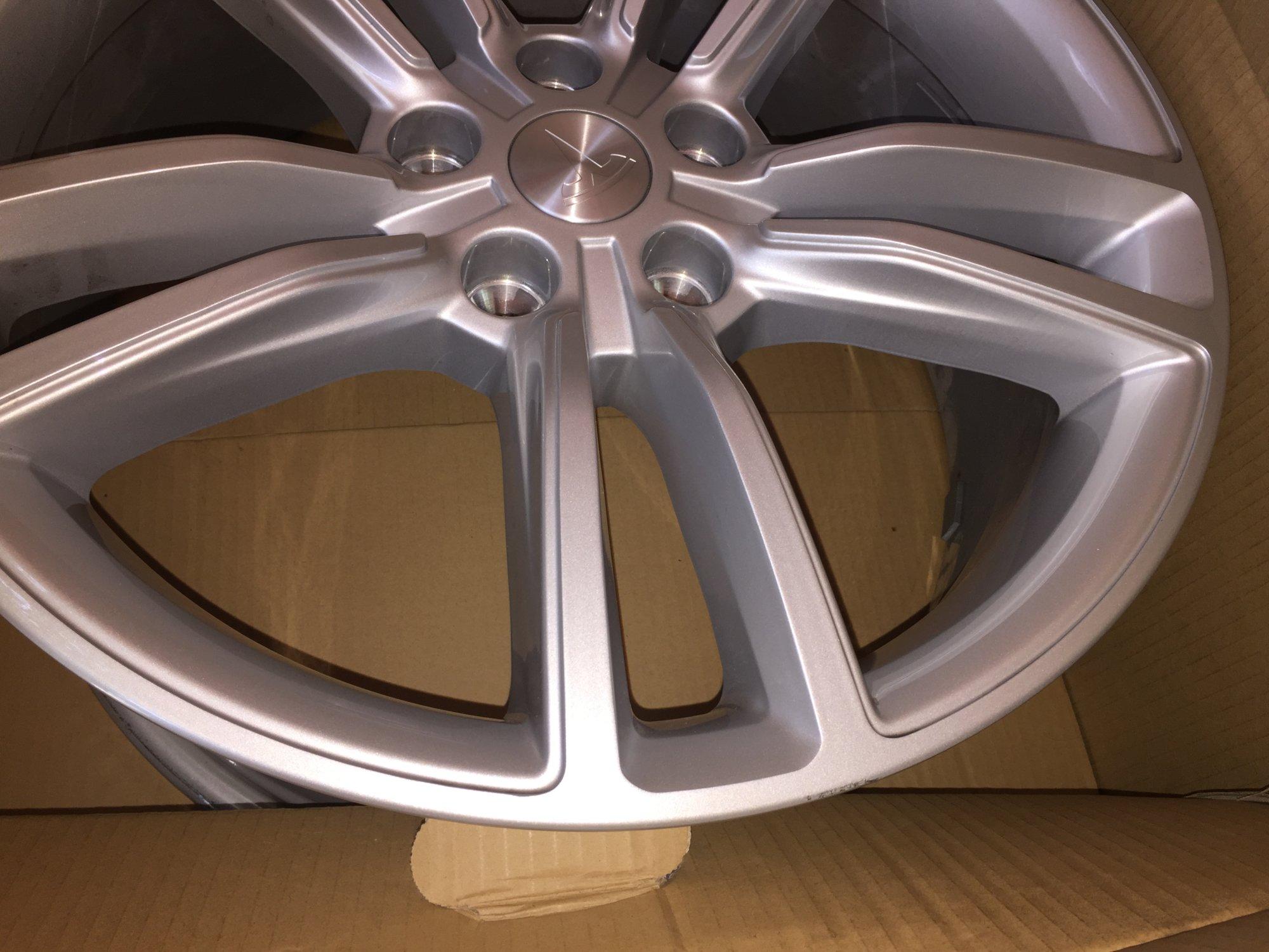 Tesla - Wheels 2.jpg