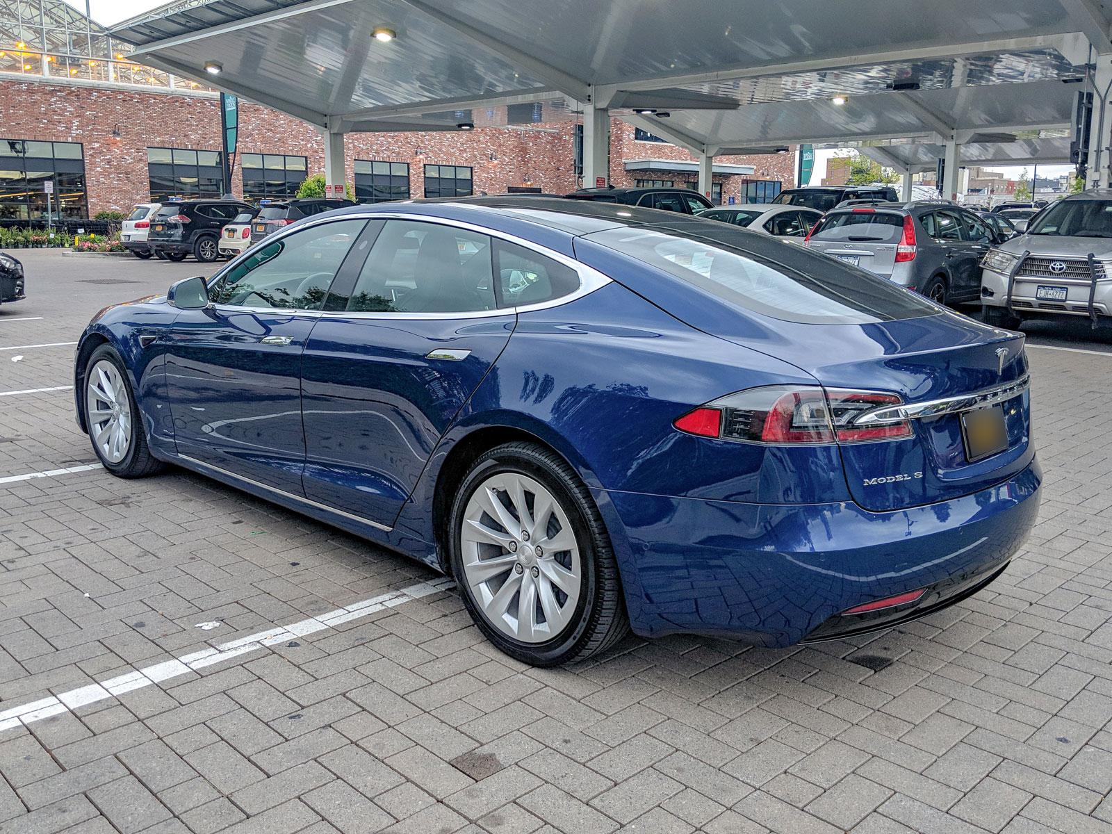 Tesla_10_2.jpg