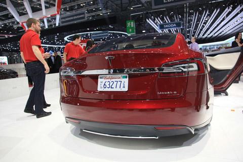 Tesla_Model_S_01.jpg