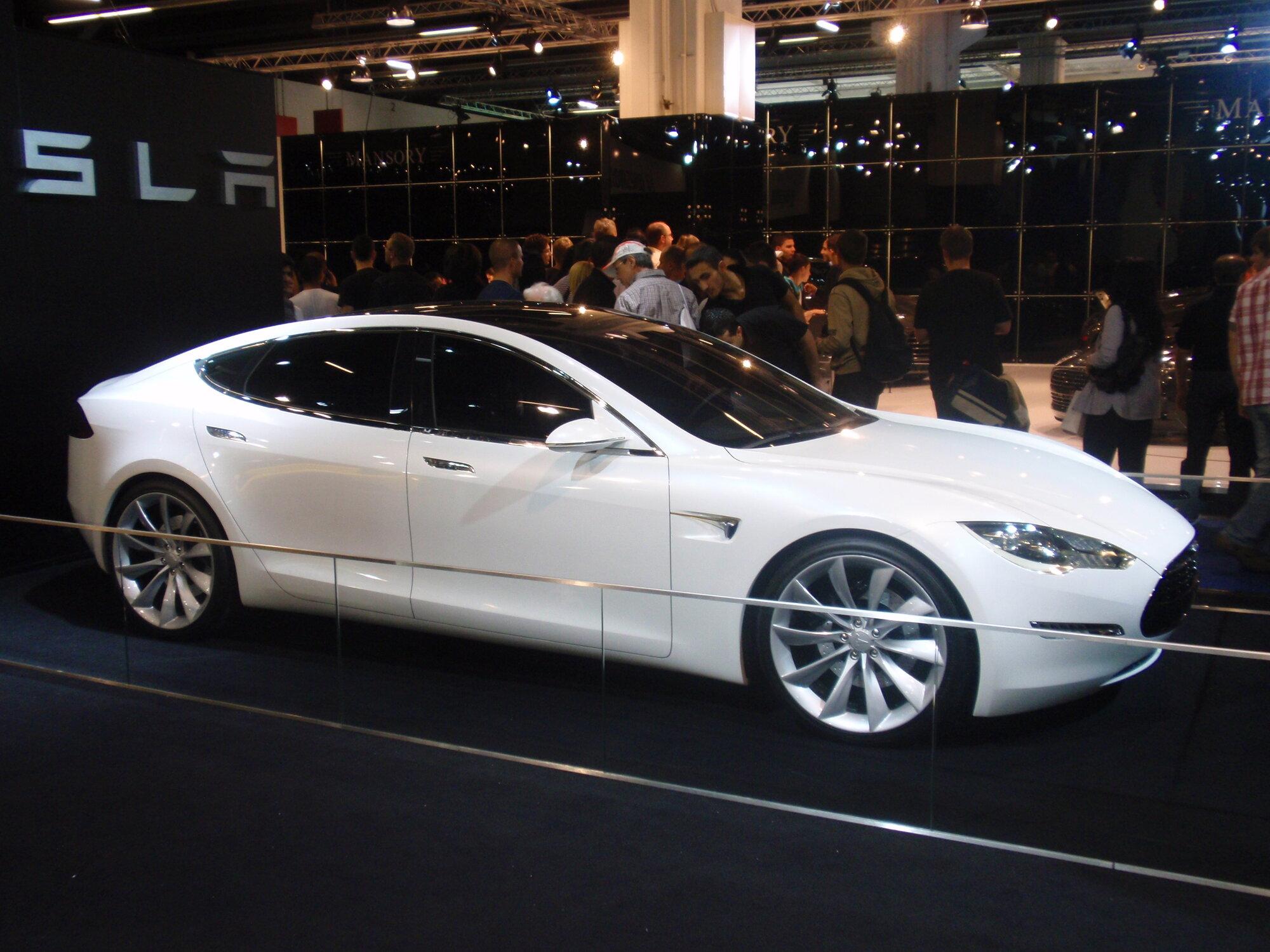 Tesla_Model_S_Prototype.JPG