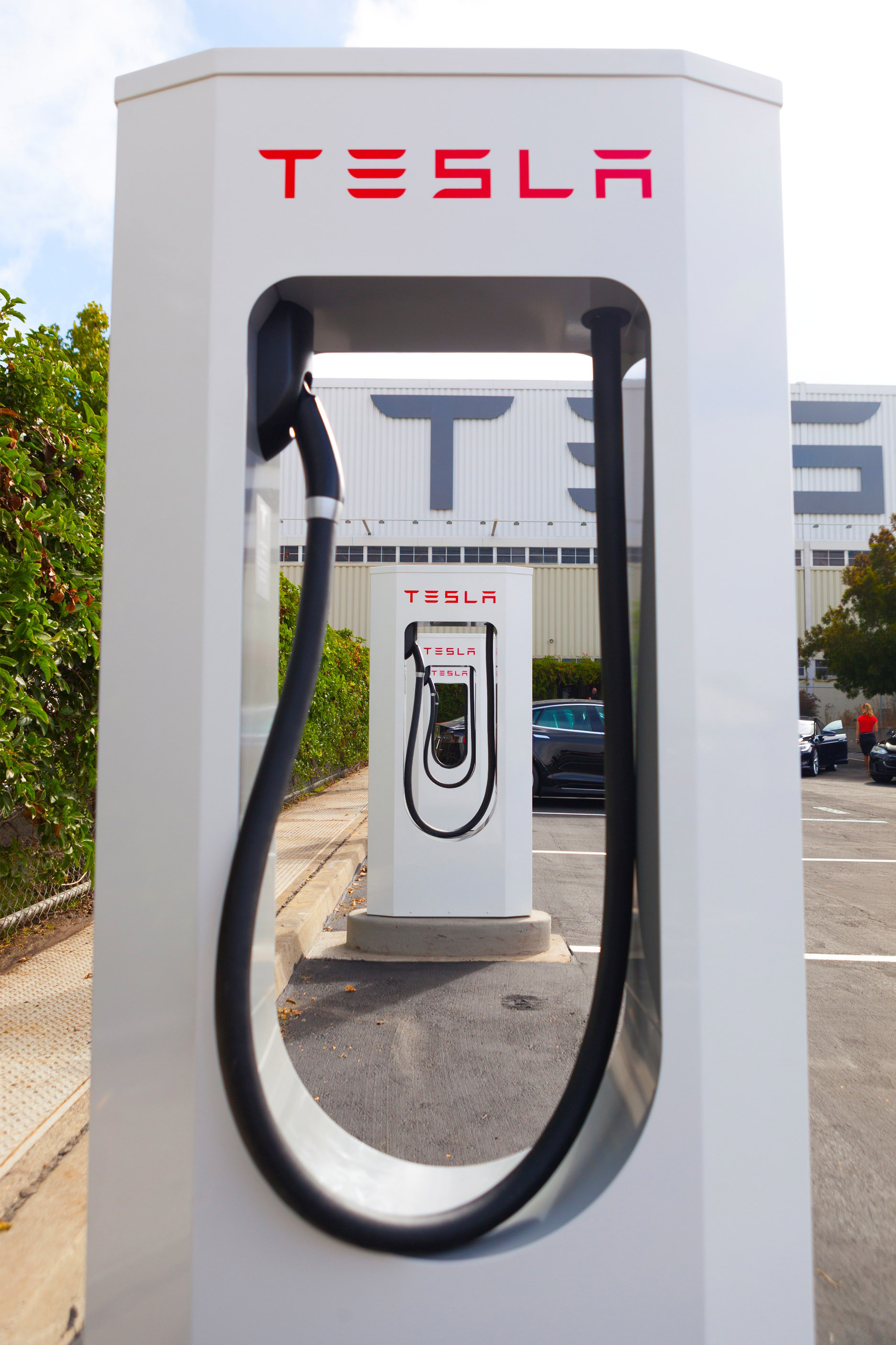 Tesla_Supercharger-original.jpg