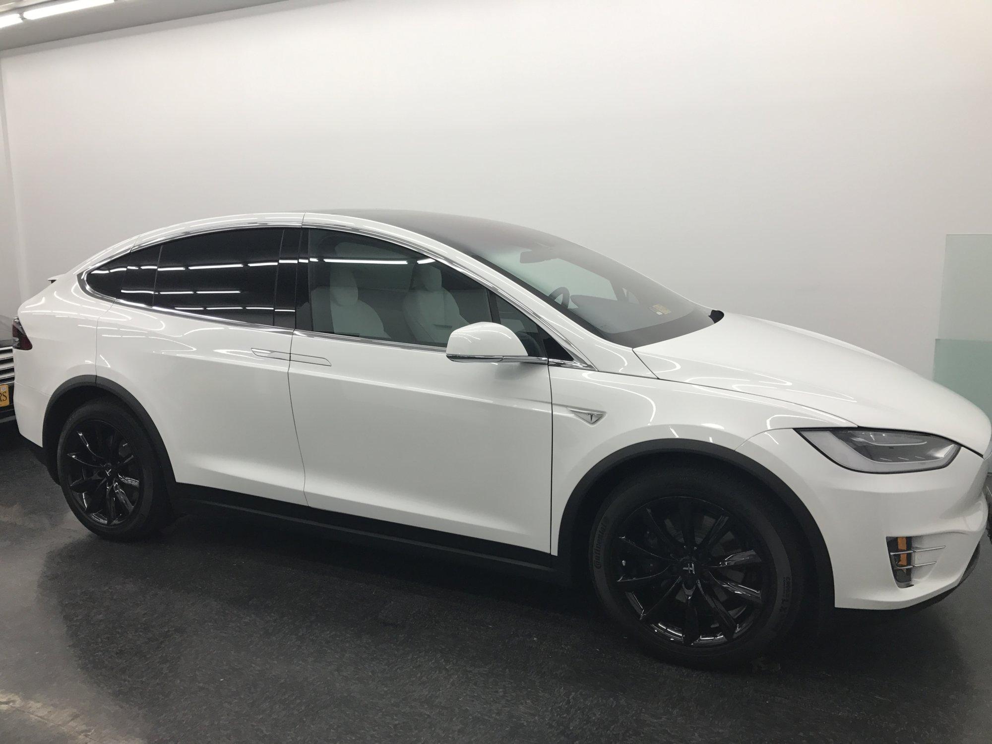 Tesla_X_002_New Wheels.jpg