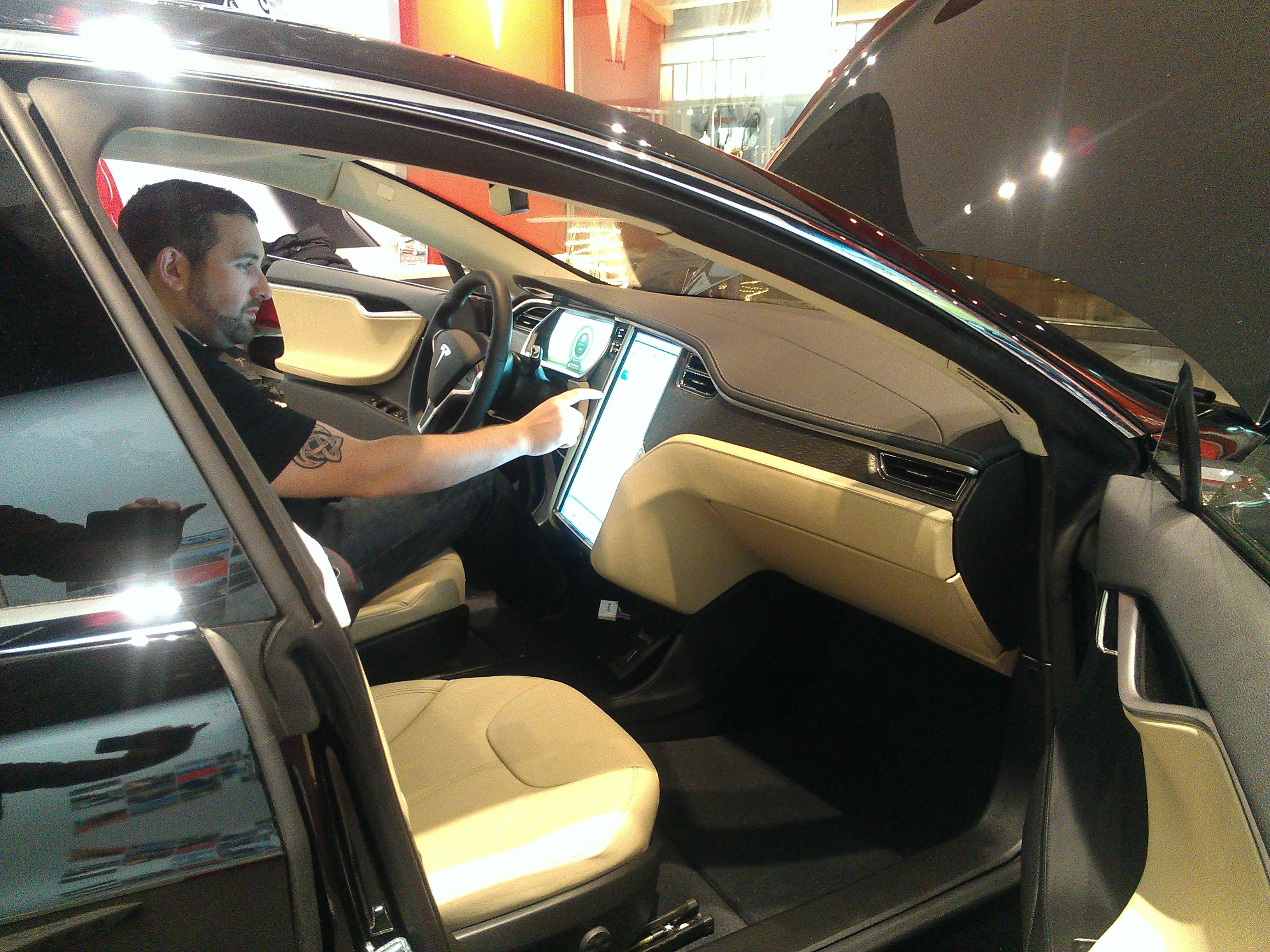 TeslaBeta23_Passenger.jpg