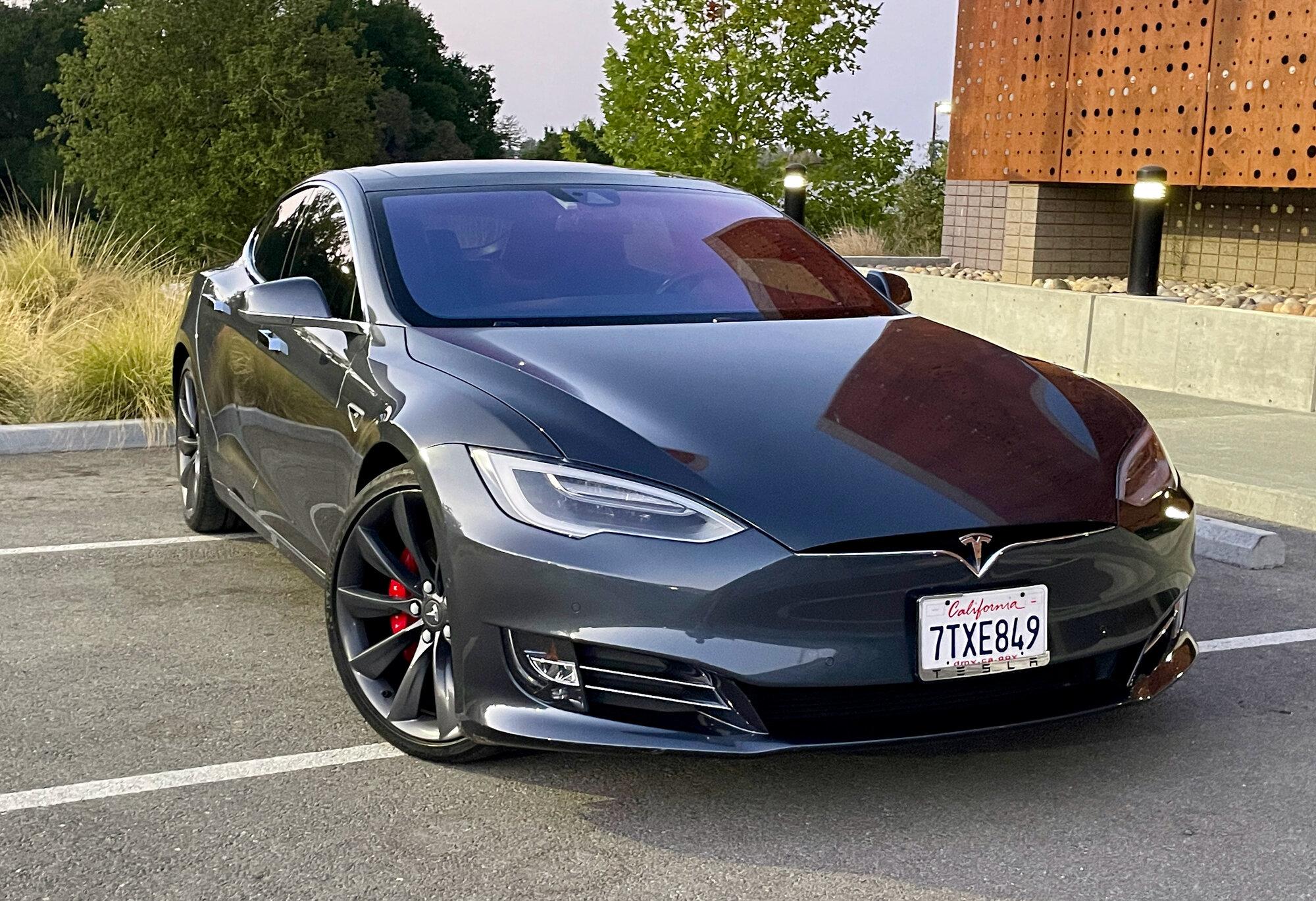 TeslaModelS-P90DL- - exterior3-96.jpeg