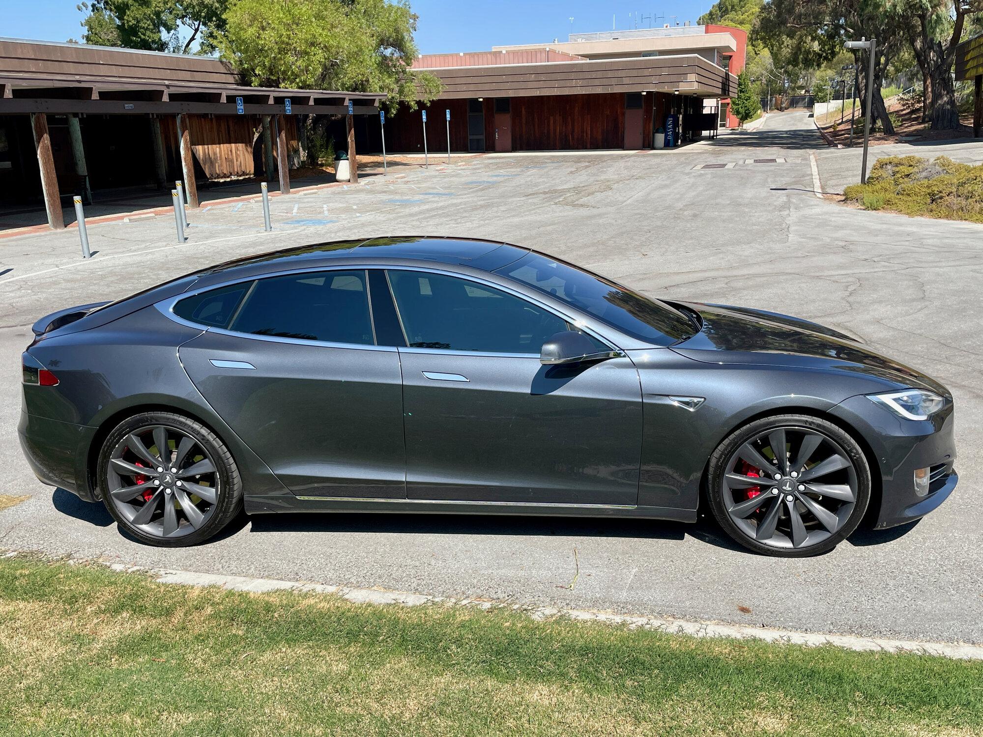 TeslaModelS-P90DL- - exterior5-42.jpeg