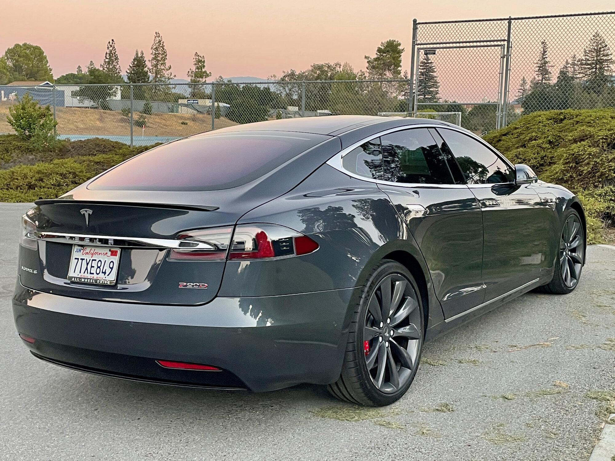 TeslaModelS-P90DL- - exterior7-76.jpeg