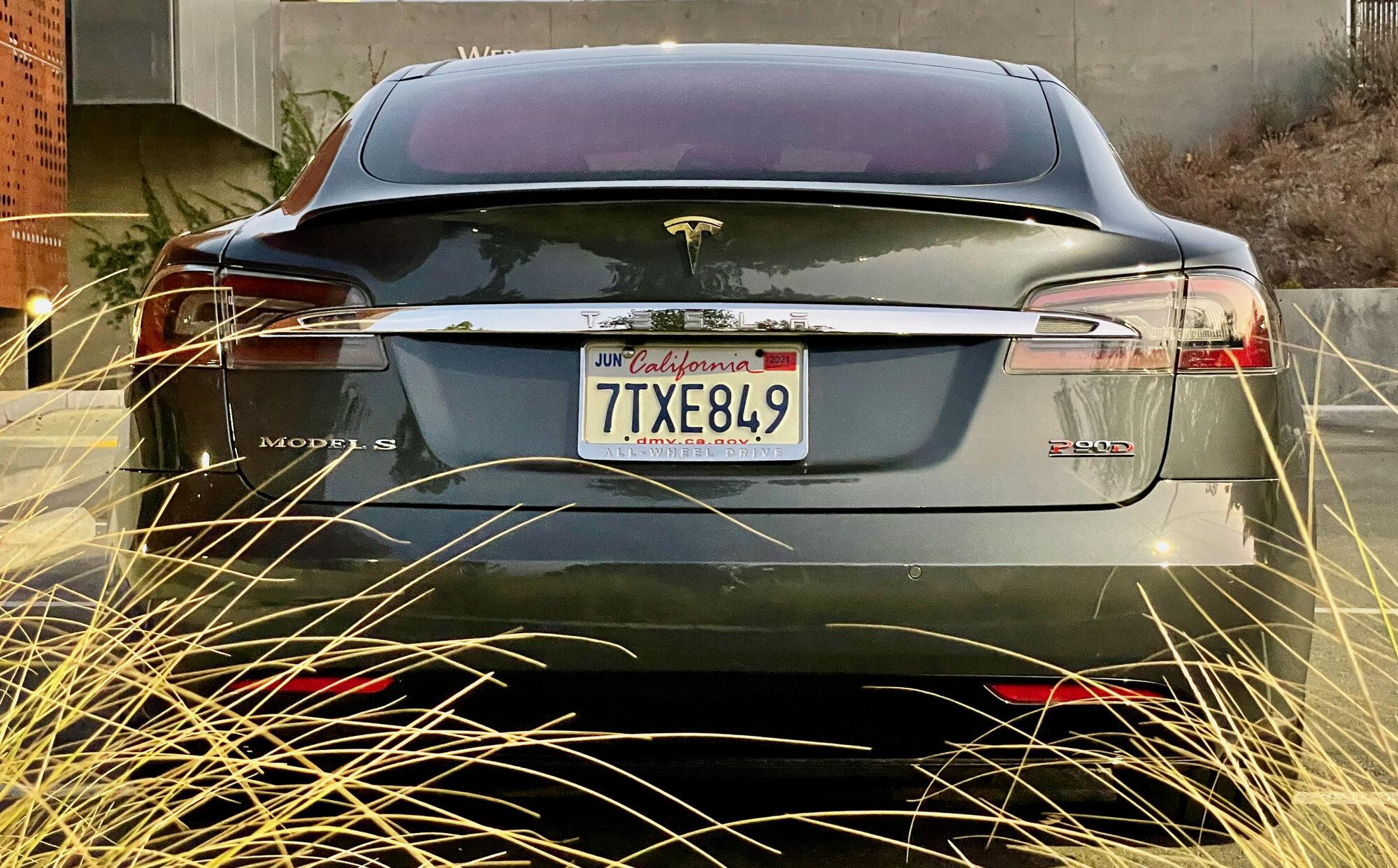 TeslaModelS-P90DL- - exterior9-106.jpeg