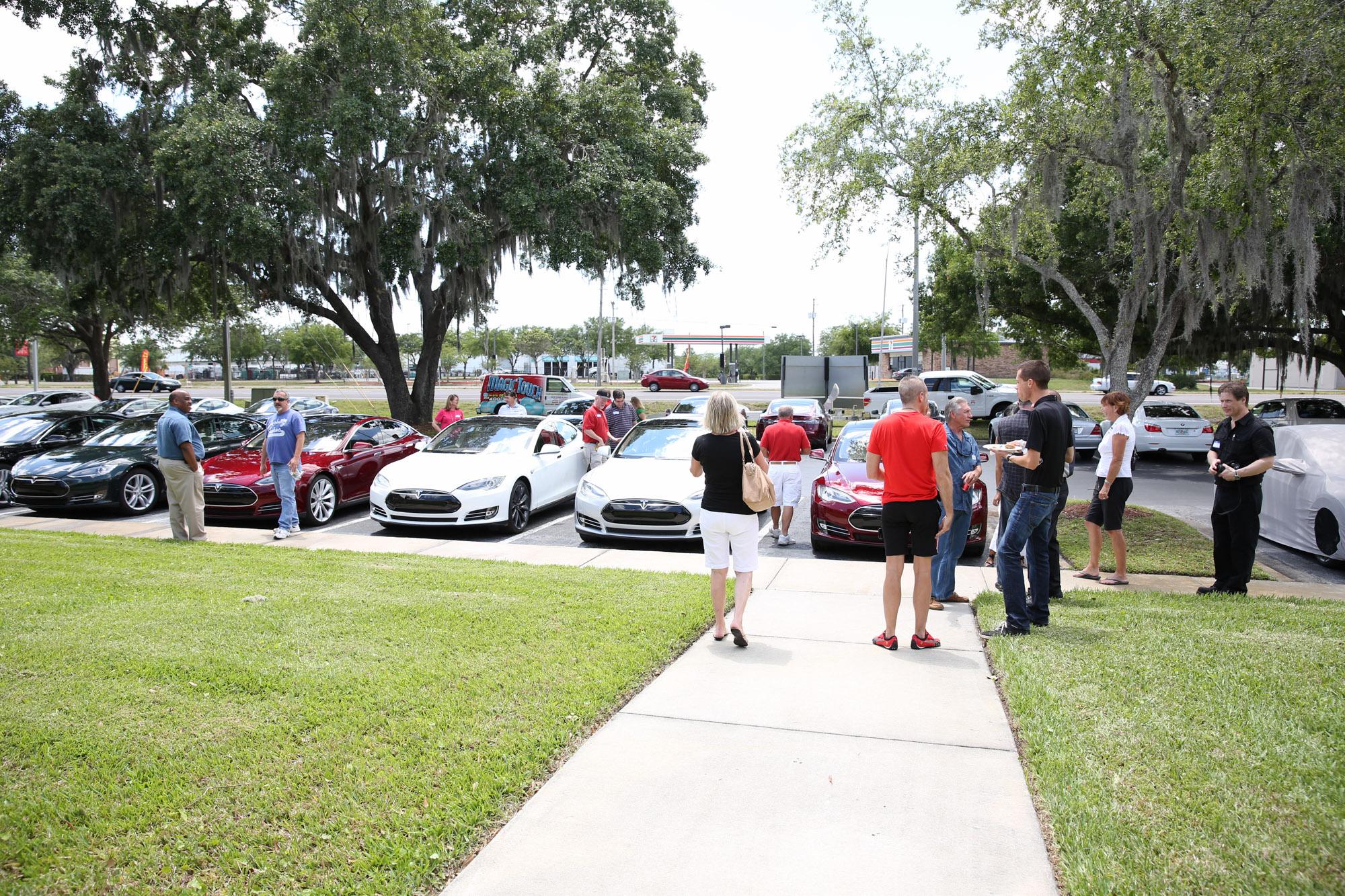 TeslaMotorsClub_Tampa_28APR13_0074.jpg