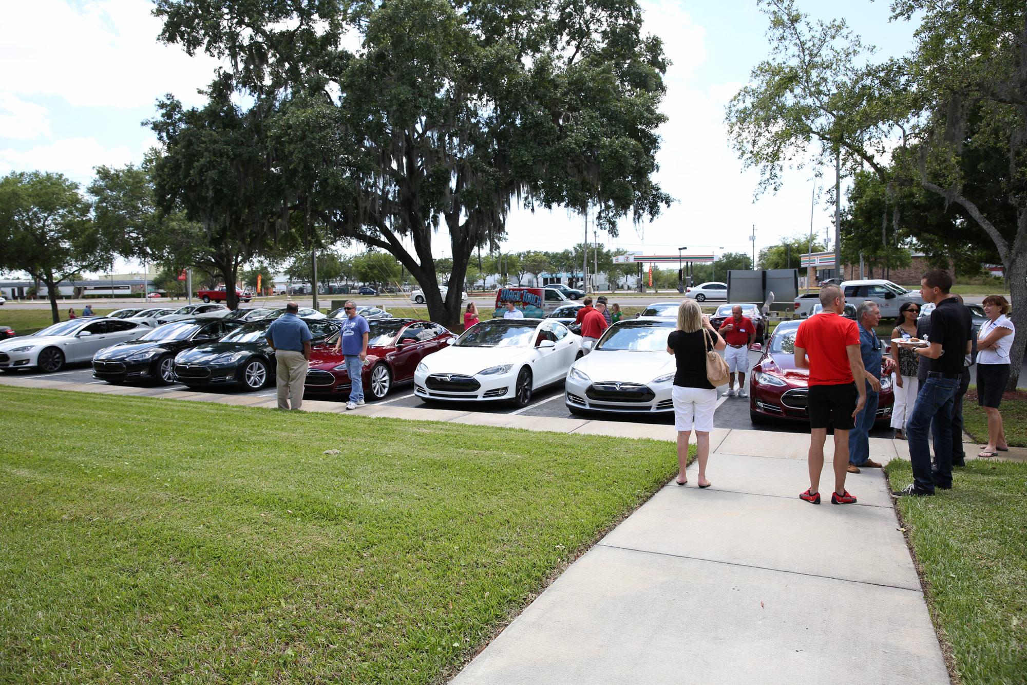 TeslaMotorsClub_Tampa_28APR13_0075.jpg