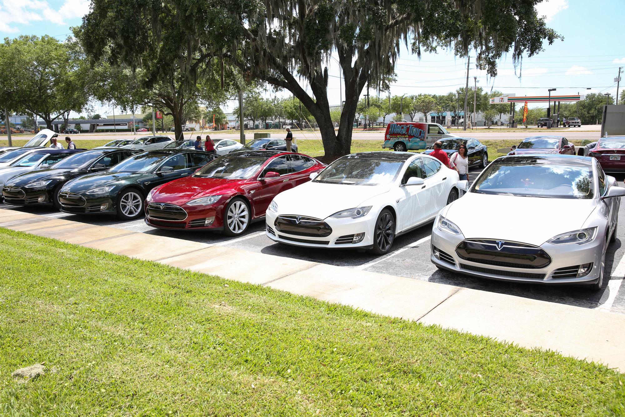TeslaMotorsClub_Tampa_28APR13_0103.jpg