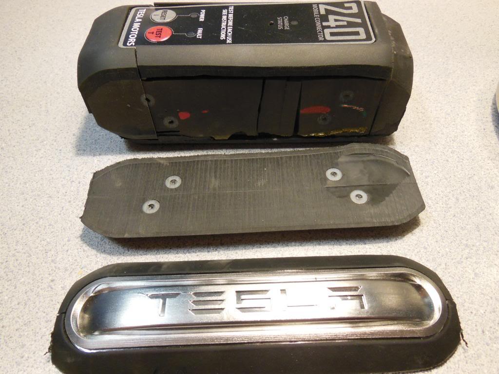 TeslaRoadsterUMCcutaway2.jpg