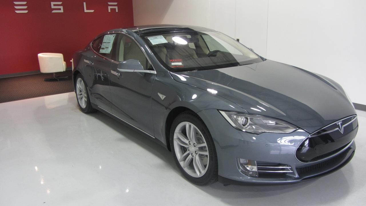 Teslashowroom.jpg