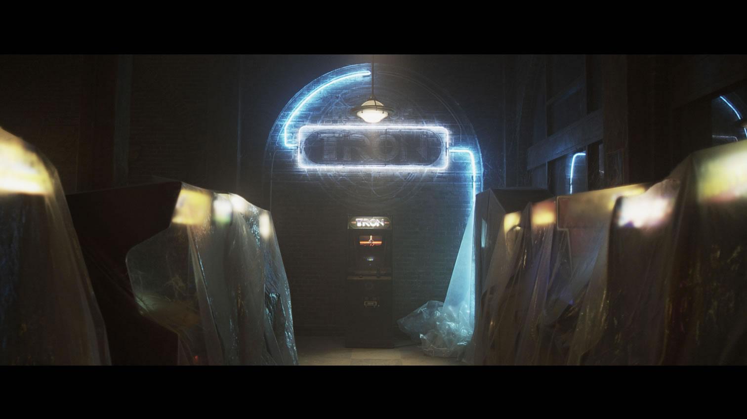Tron_in_Flynn's_Arcade_jpg_jpg.jpg