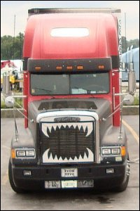 truck-teeth-jaws-teeth-dsc00609.jpg