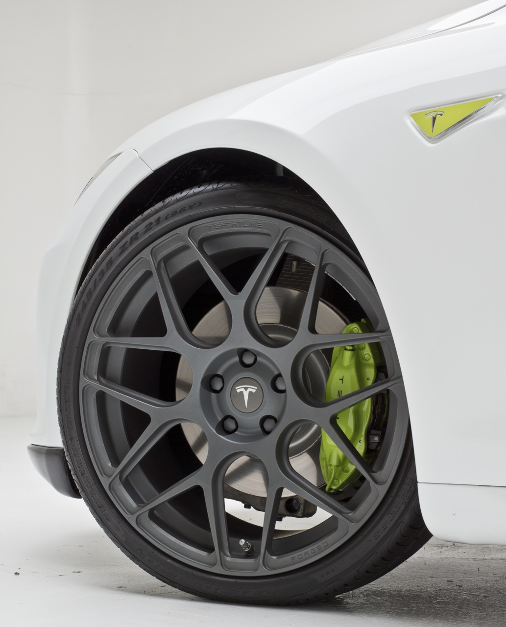 tsportline-tesla-green-painted-caliper-forged-wheel.jpg