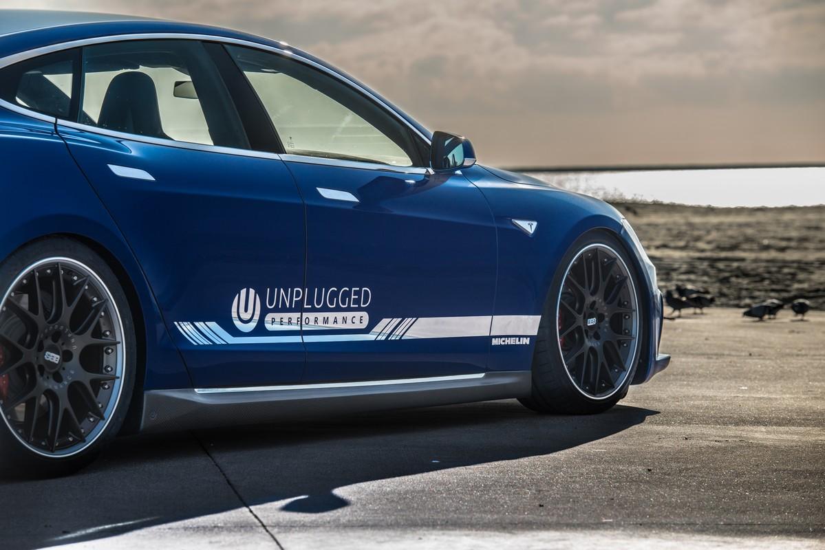 Unplugged-Performance-P85D-Blue-Demo-Car0010.jpg