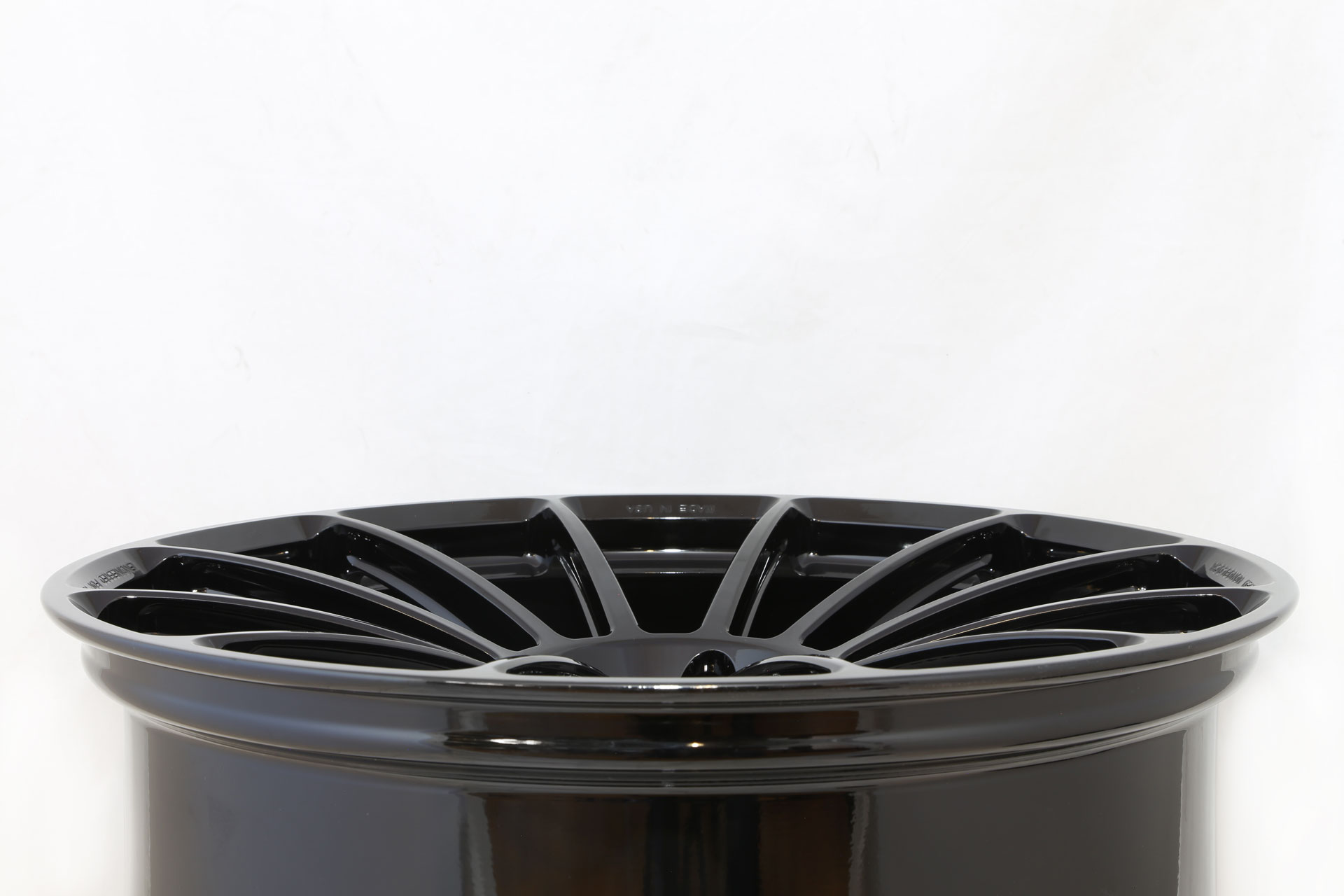 Unplugged-Performance-UP-03-22inch-Superlight-Weight-Wheel---BLACK-CONCAVE.jpg