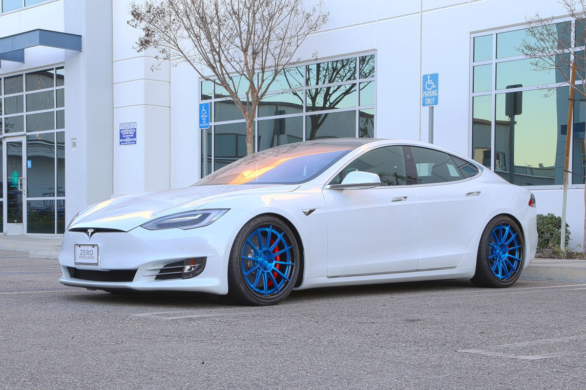 Unplugged-Performance-UP-03-Carbon-Wheels-Tesla-Model-S_01.jpg