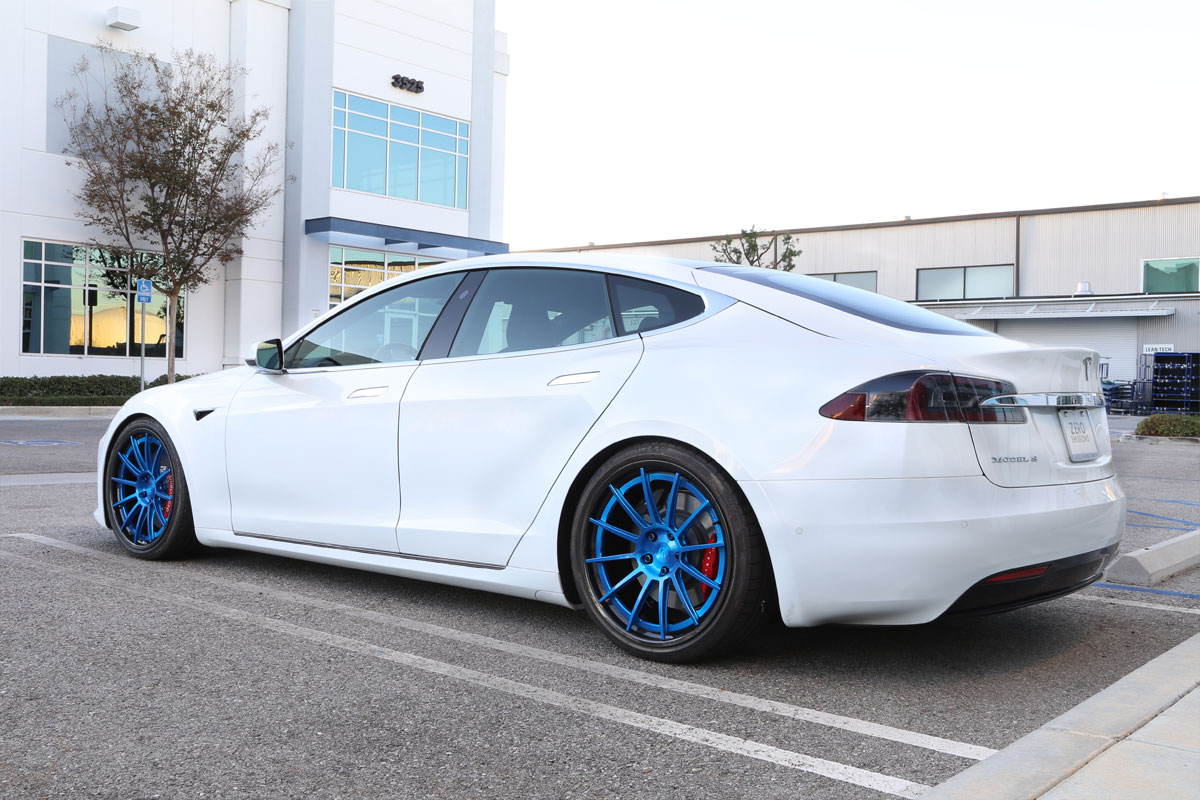 Unplugged-Performance-UP-03-Carbon-Wheels-Tesla-Model-S_03.jpg