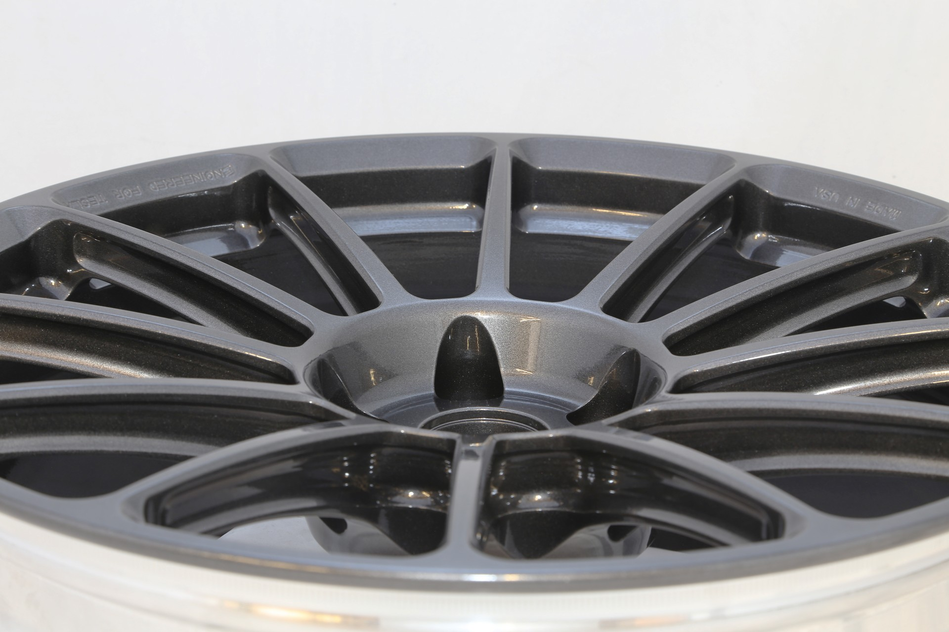 Unplugged Performance UP-03 Super Light Weight Wheel Tesla Model S - 4web.jpg