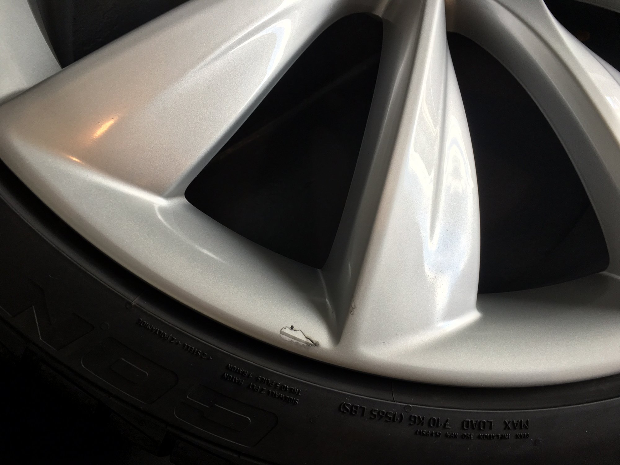 wheel-dmg.JPG