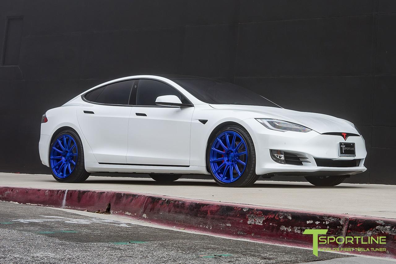 white-tesla-model-s-ts112-21-inch-wheels-super-blue-02.jpg