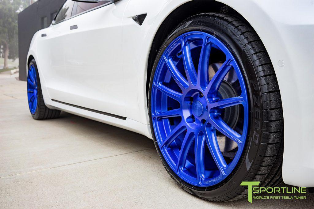 white-tesla-model-s-ts112-21-inch-wheels-super-blue-08-1024x682.jpg