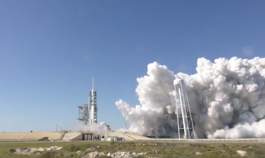 spacex conducts test fire of falcon heavy offers details on launch date. Black Bedroom Furniture Sets. Home Design Ideas